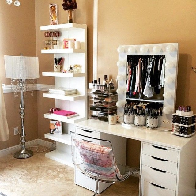 die besten 25 make up tisch ideen auf pinterest make up schminktisch make up tabellen und. Black Bedroom Furniture Sets. Home Design Ideas
