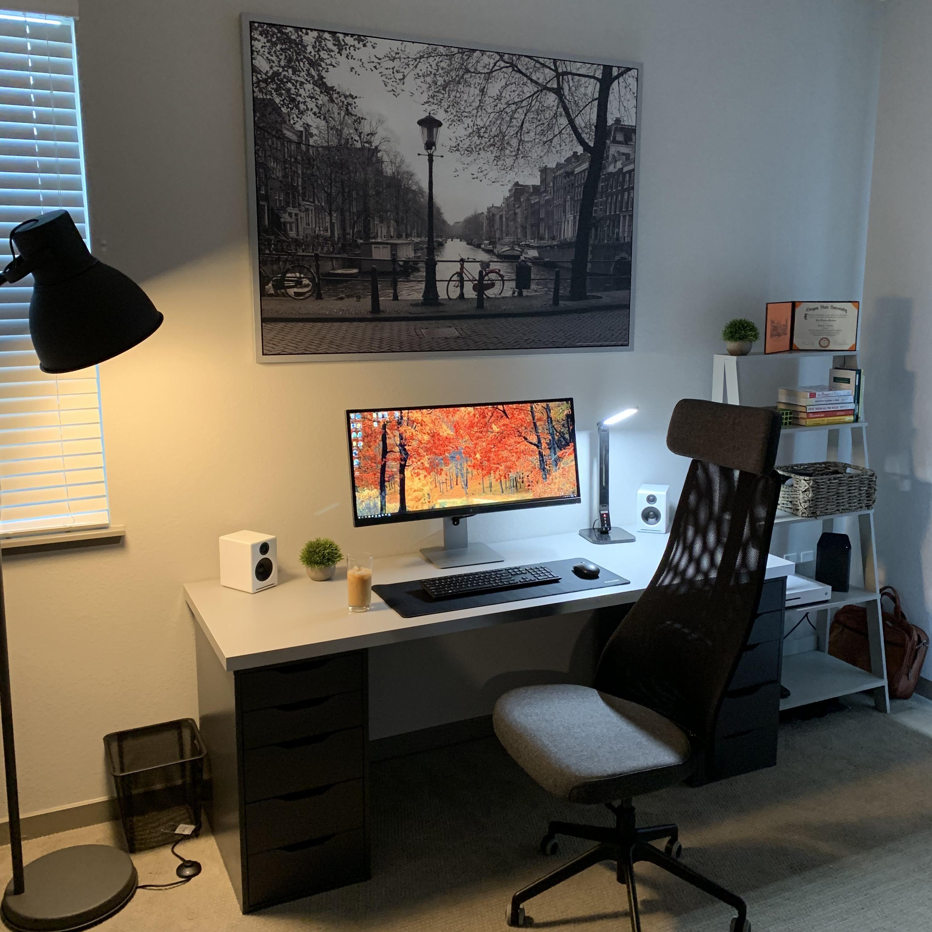 Картинки комнат с компьютером