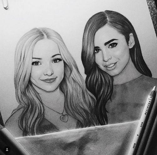 Dove Cameron And Sophia Carson Drawing Com Imagens Desenhos