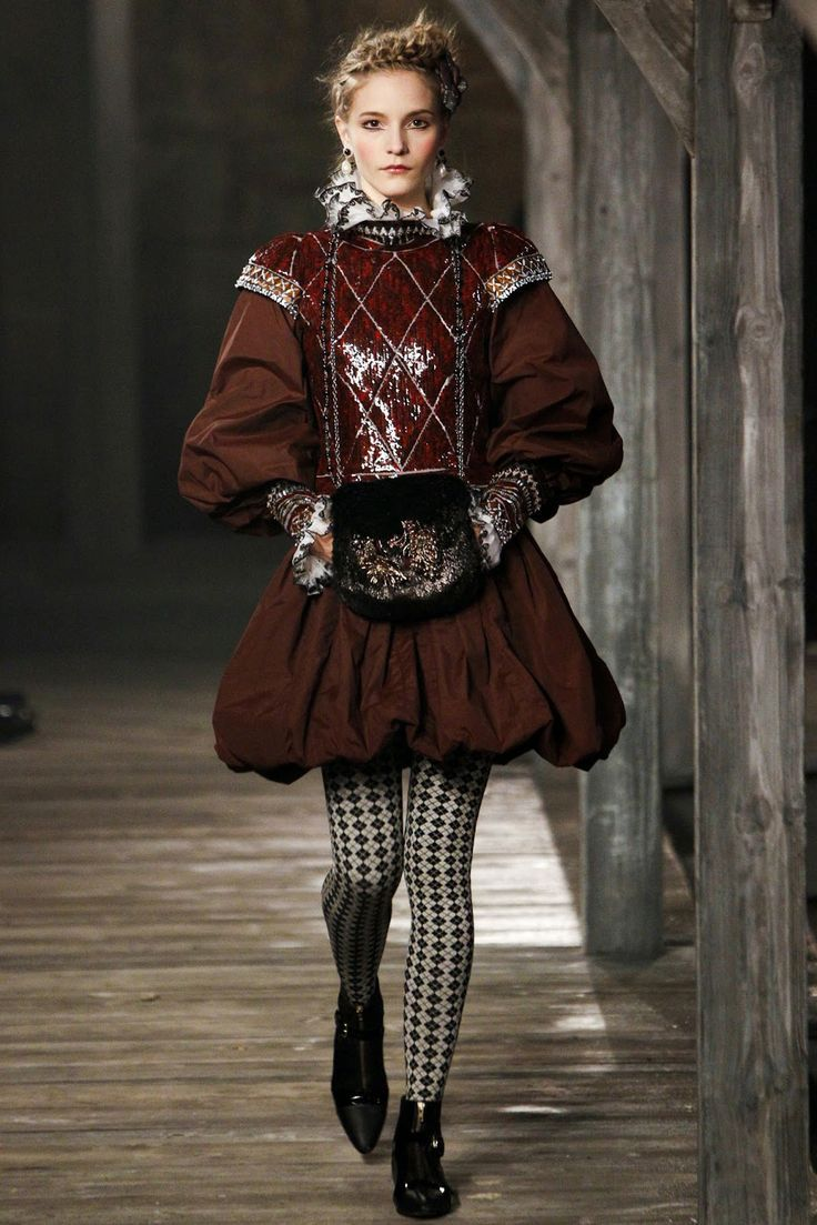 Designer fashion inspired by the italian renaissance for High couture designers