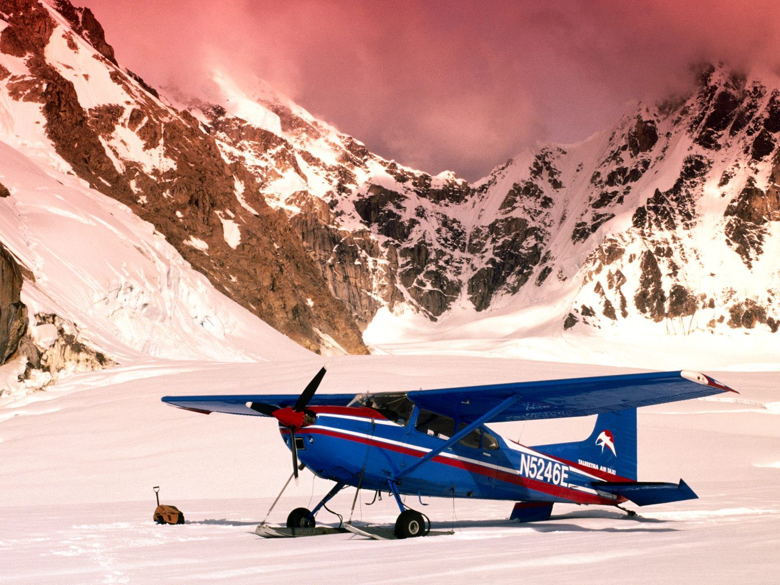 planes on skis | Cessna 185 Ski Plane, Mount McKinley