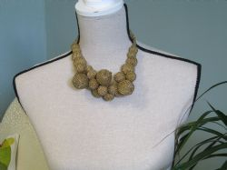 Vintage gold coloured beaded necklace