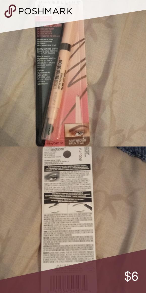 092d46af350 Brow definer Soft brown 305 Defining brown pencil, teardrop tip and fluffy  spoolie Maybelline Makeup