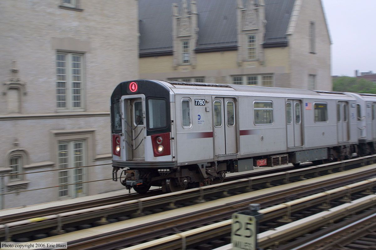 4 Train One Of The Ways You Get Around When You Here Ny Subway Nyc Subway Bronx Nyc