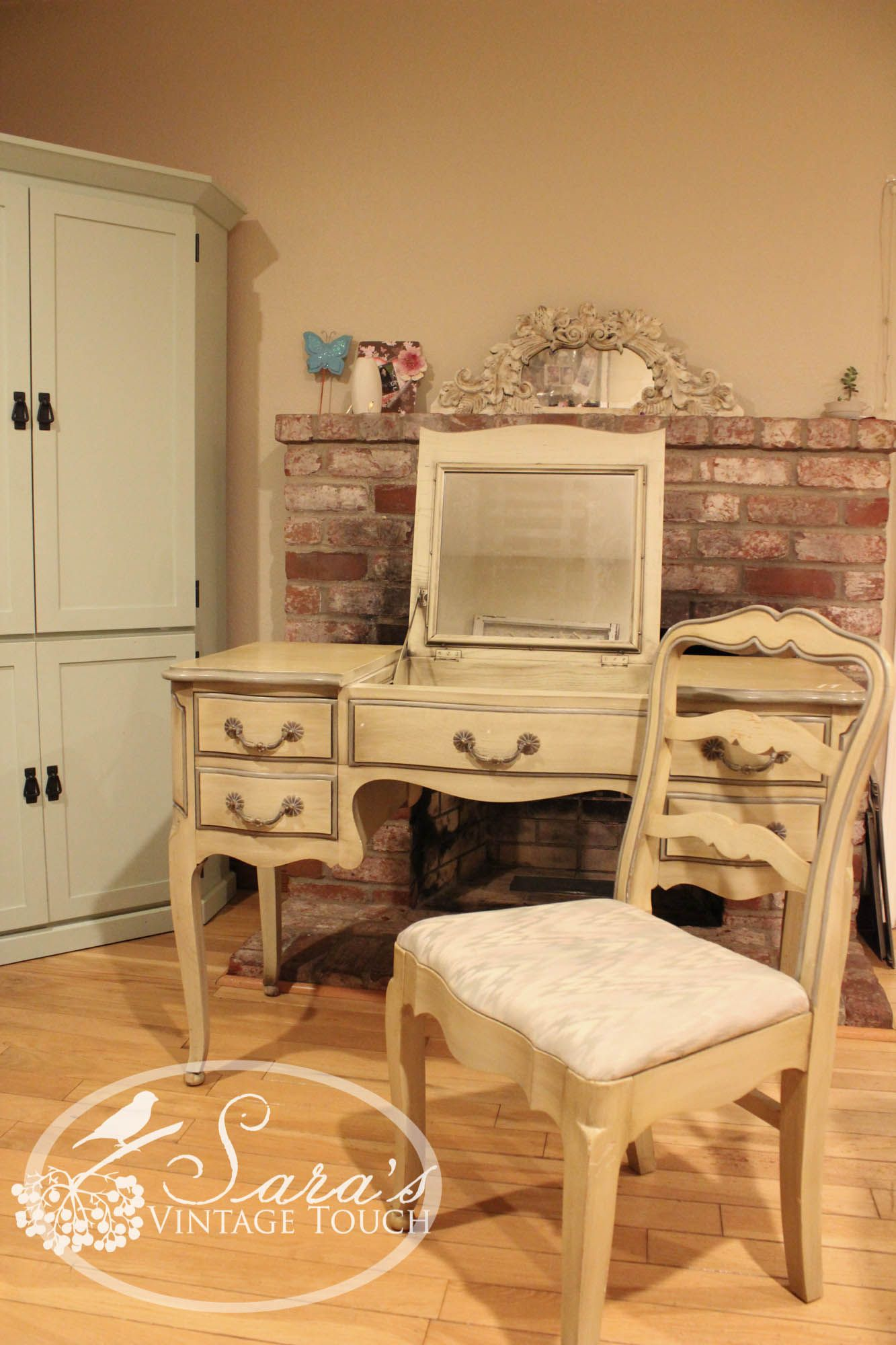 Davis Cabinet Company Vanity With Chair Vintage Solid Ash Wood