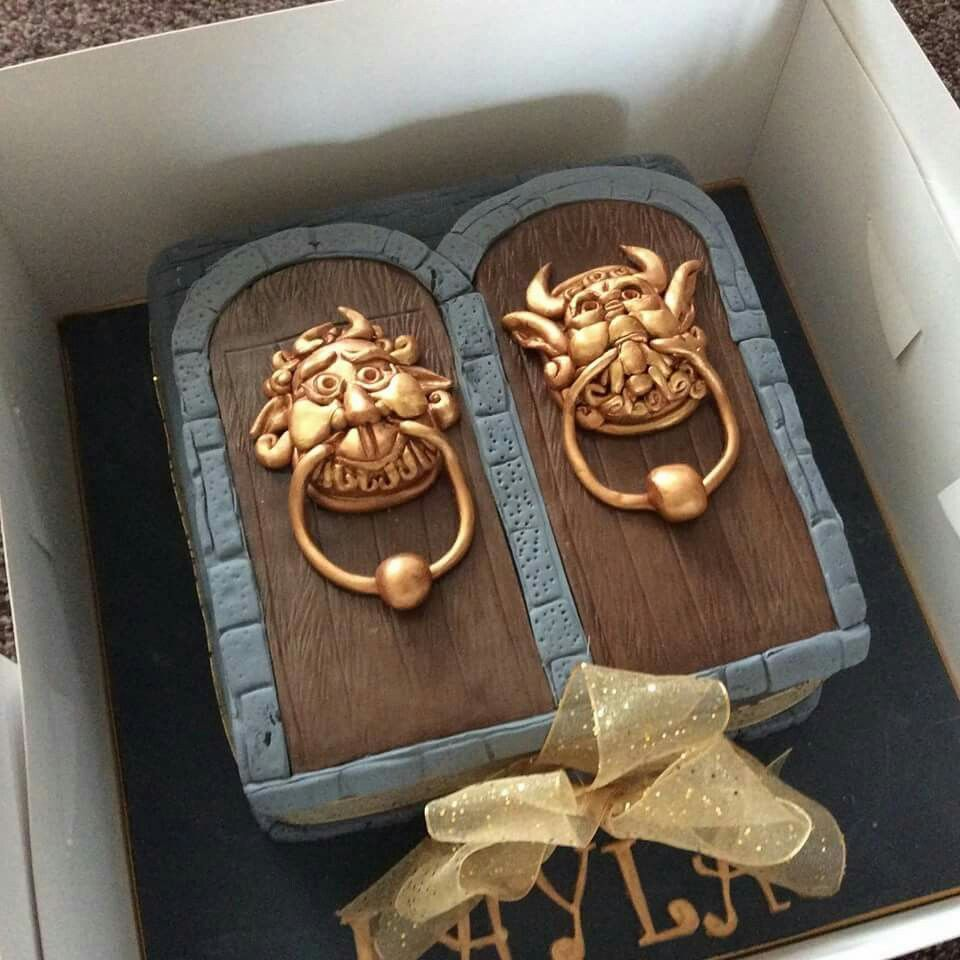 Labyrinth Door Knocker Cake In 2019 Creative Cakes
