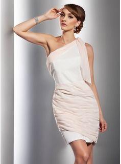 Sivu Yksiolkaiminen Lyhyt hipova Sifonki Cocktail-mekko jossa Rypytys