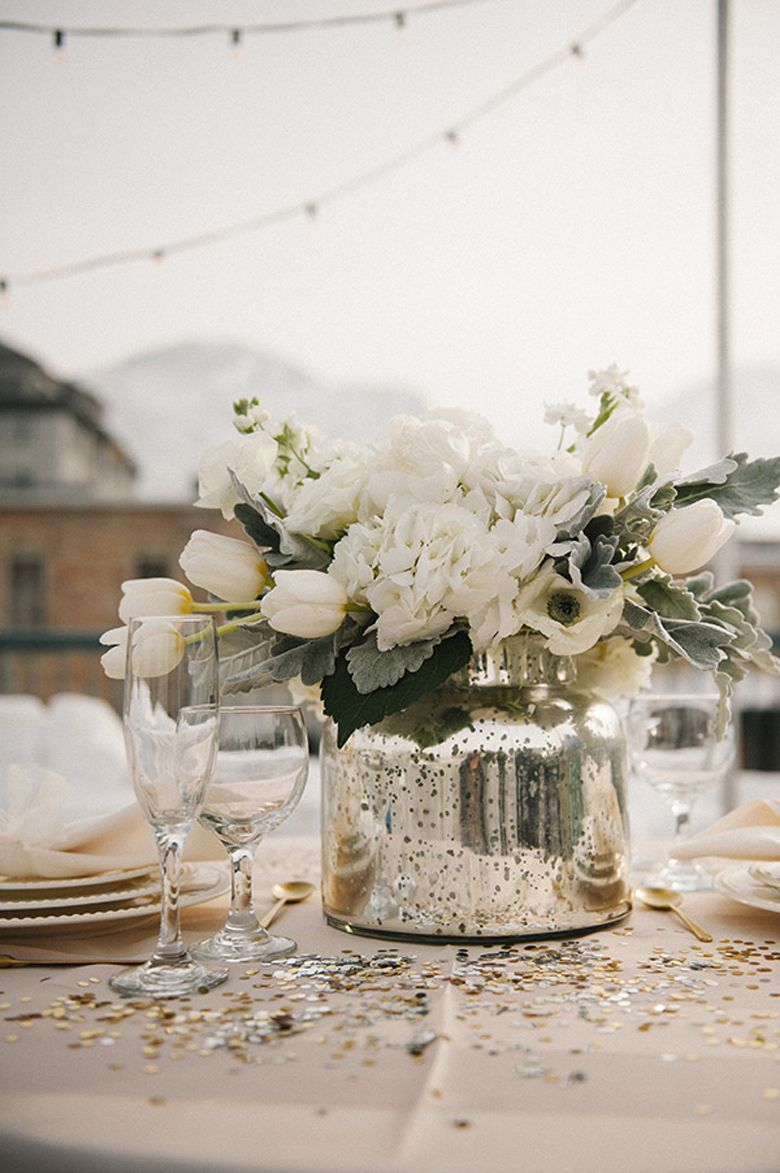 May wedding but white flowers are so nice 21 Winter Decor Ideas That ...