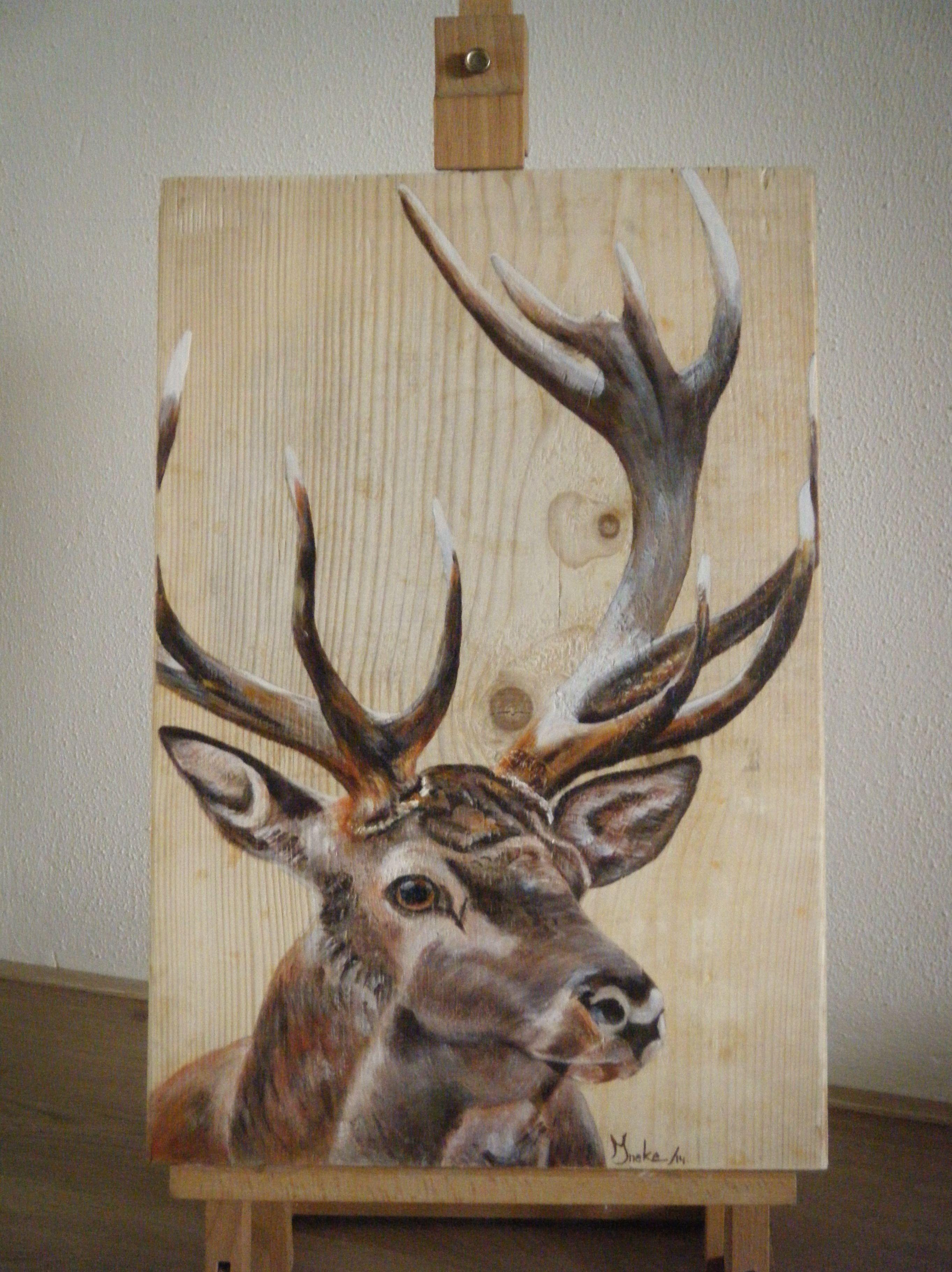Edelhert geschilderd in opdracht op een kaasplank. Ineke Nolles ...