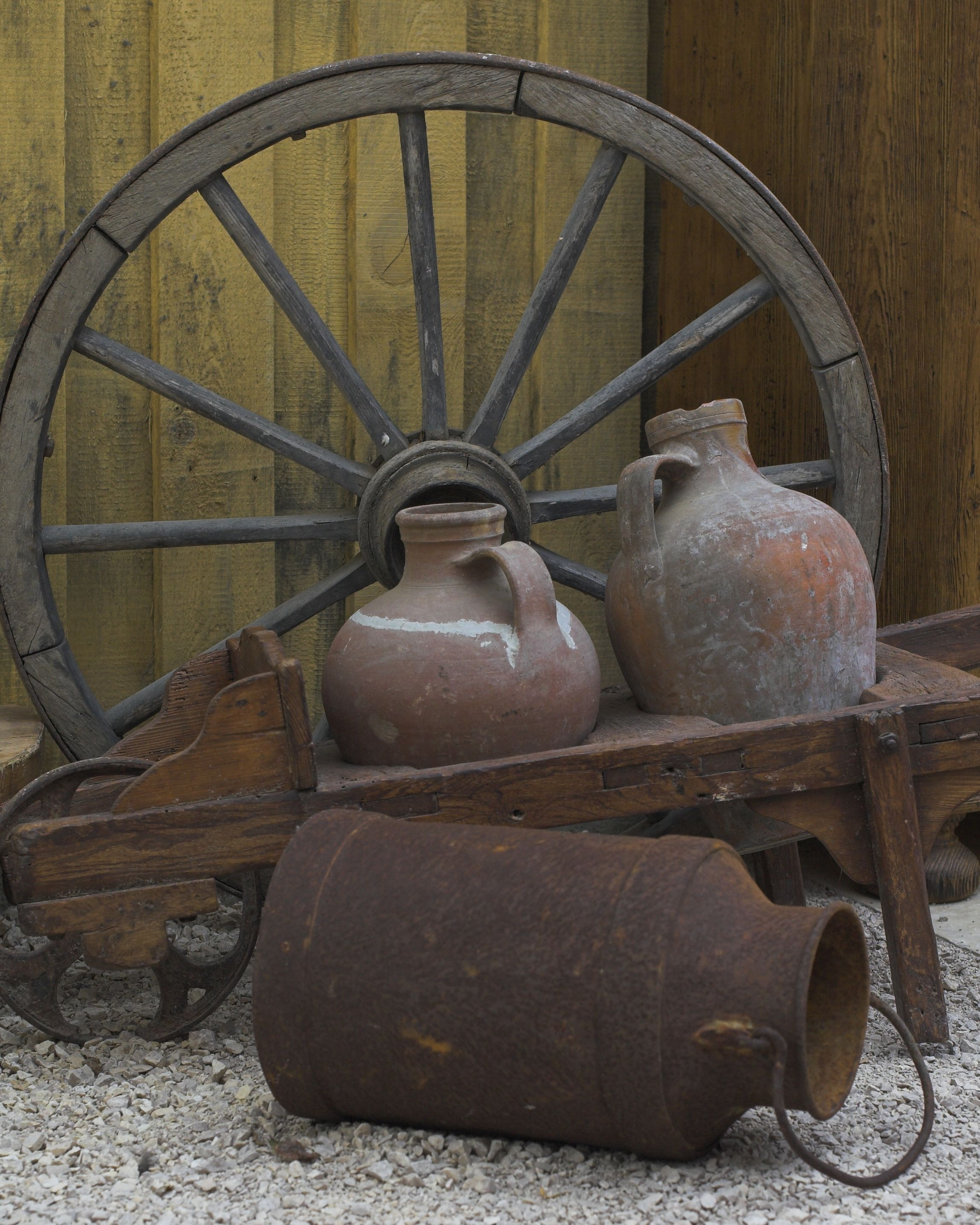 Rustic Outdoor Decoration Wagon Wheel