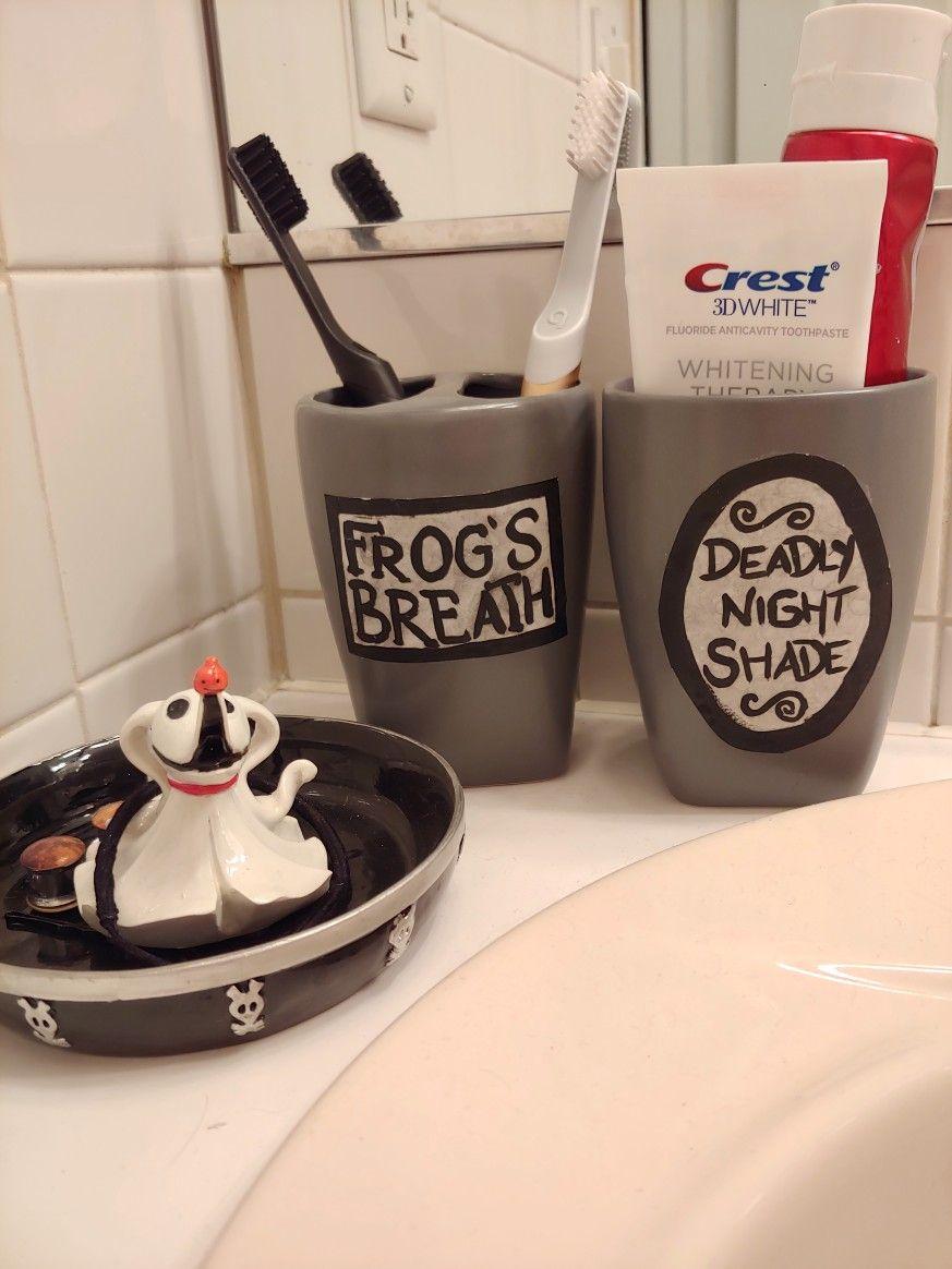christmas bathroom toothbrush holder