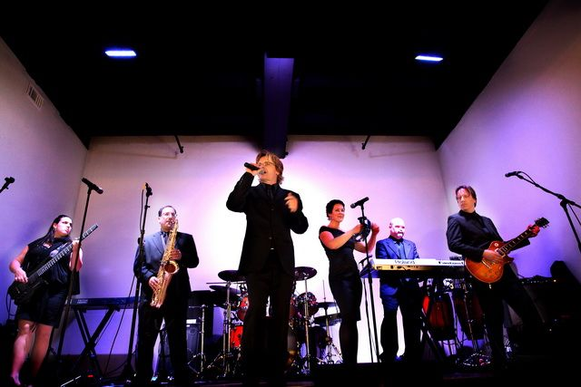 Back2Life! This sophisticated 7 piece dance band has high energy, a stylish look and outstanding talent!  #BestWeddingBand #BestPhillyPartyBand