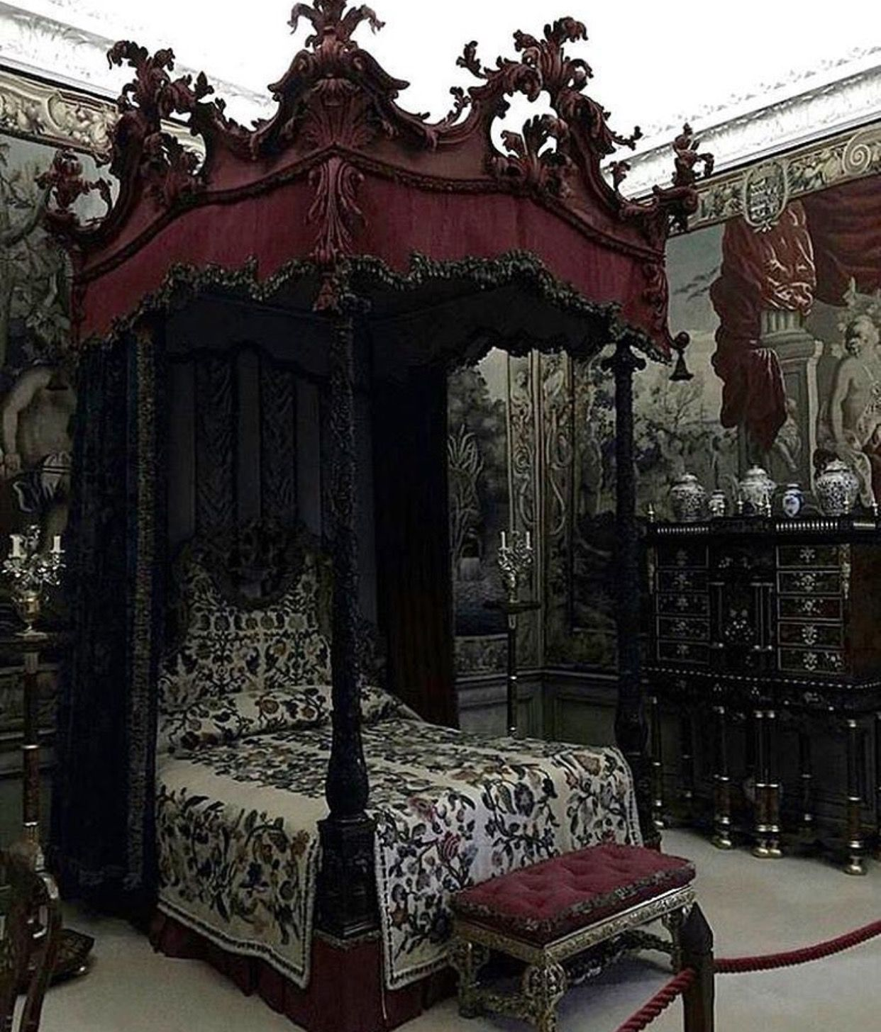 would have nightmares if had to sleep in this room gothic. Black Bedroom Furniture Sets. Home Design Ideas