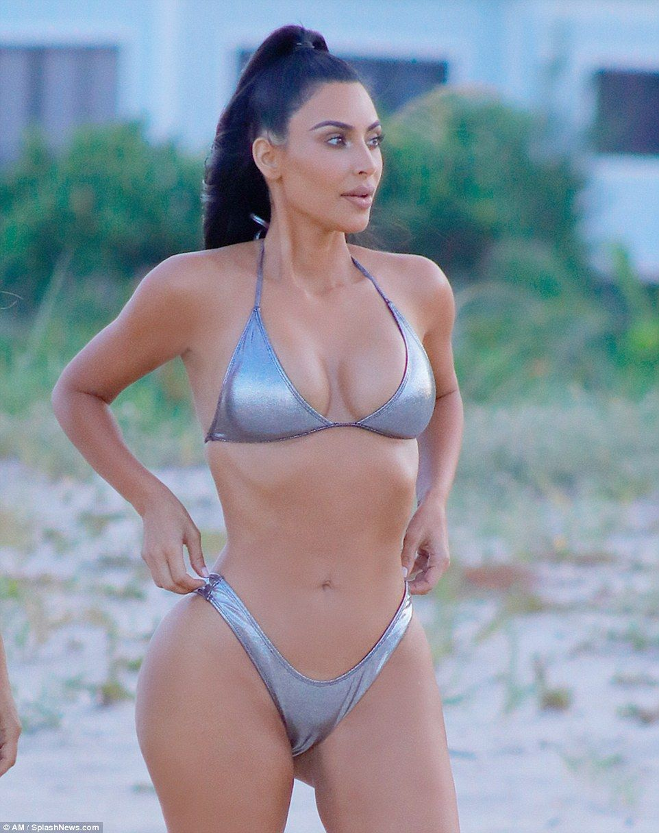 897c9d00248 She got the right kind of help  Kardashian credits her personal trainer  Melissa Alcantara for transforming her body over the past year