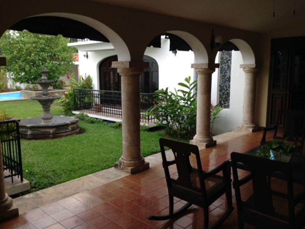 Hermosa casa estilo colonial espa ol villas la hacienda - Casas tipo colonial ...
