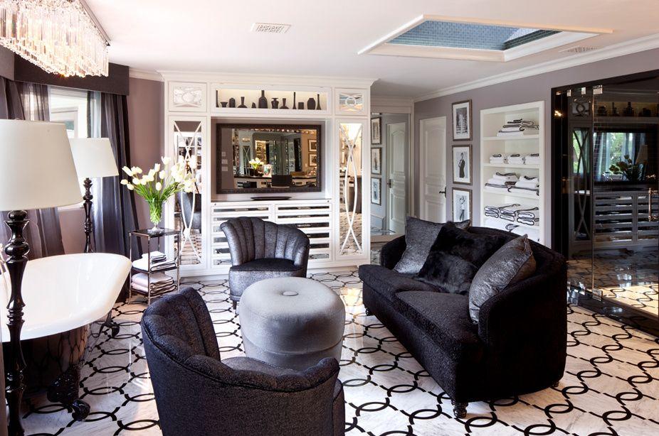 Una de las salas de estar así es la casa de kris jenner en los