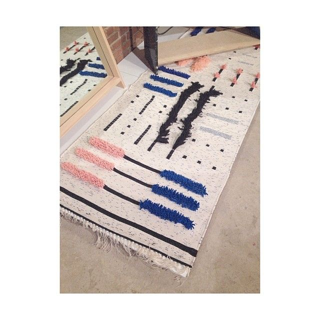 Love this rug by Lisa Yoneno at #suoffsite. The shag portions are dollar store items!