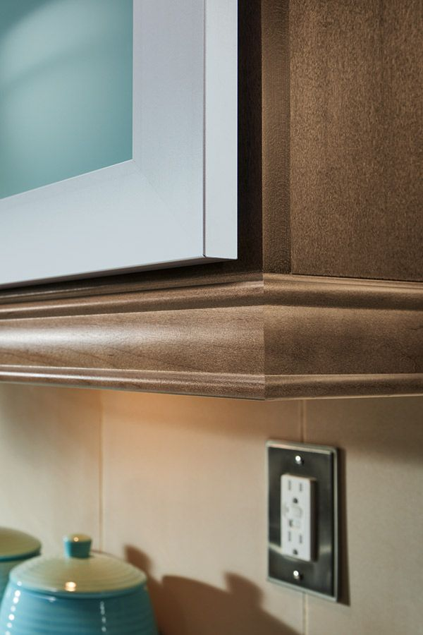 Close up of light rail moulding on Maple kitchen cabinets ...