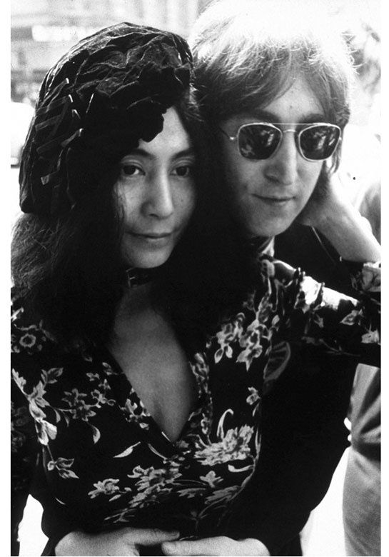 Yoko Ono and John Lennon http://www.vogue.fr/mode/news-mode/diaporama/yoko-ono-pour-opening-ceremony/10683#4