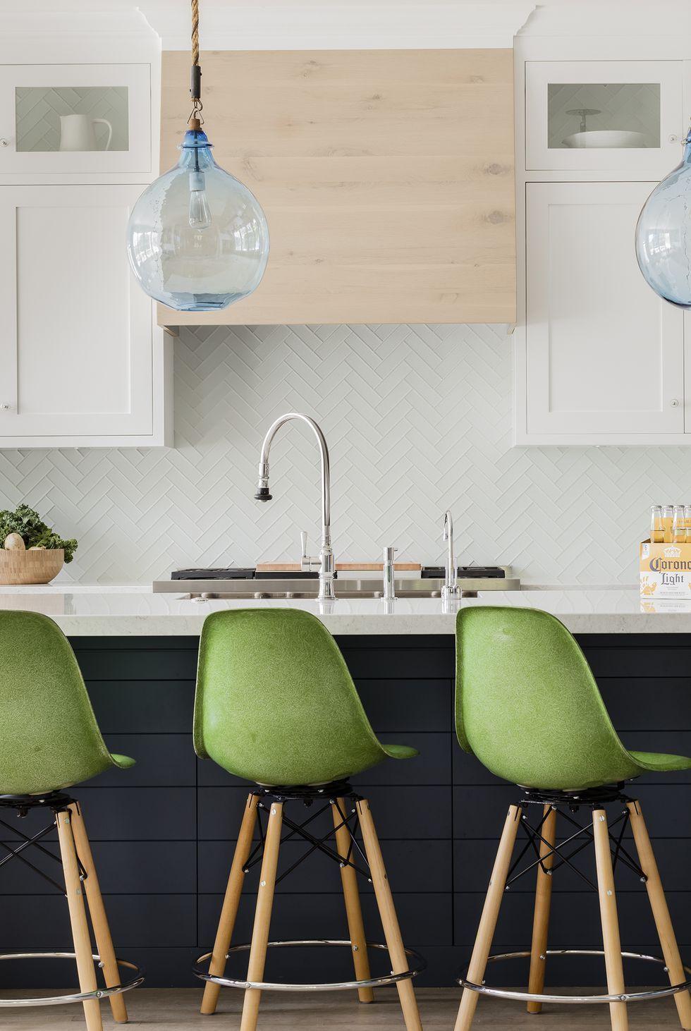 9 Stylish Kitchens with Concealed Range Hoods   Kitchen design ...