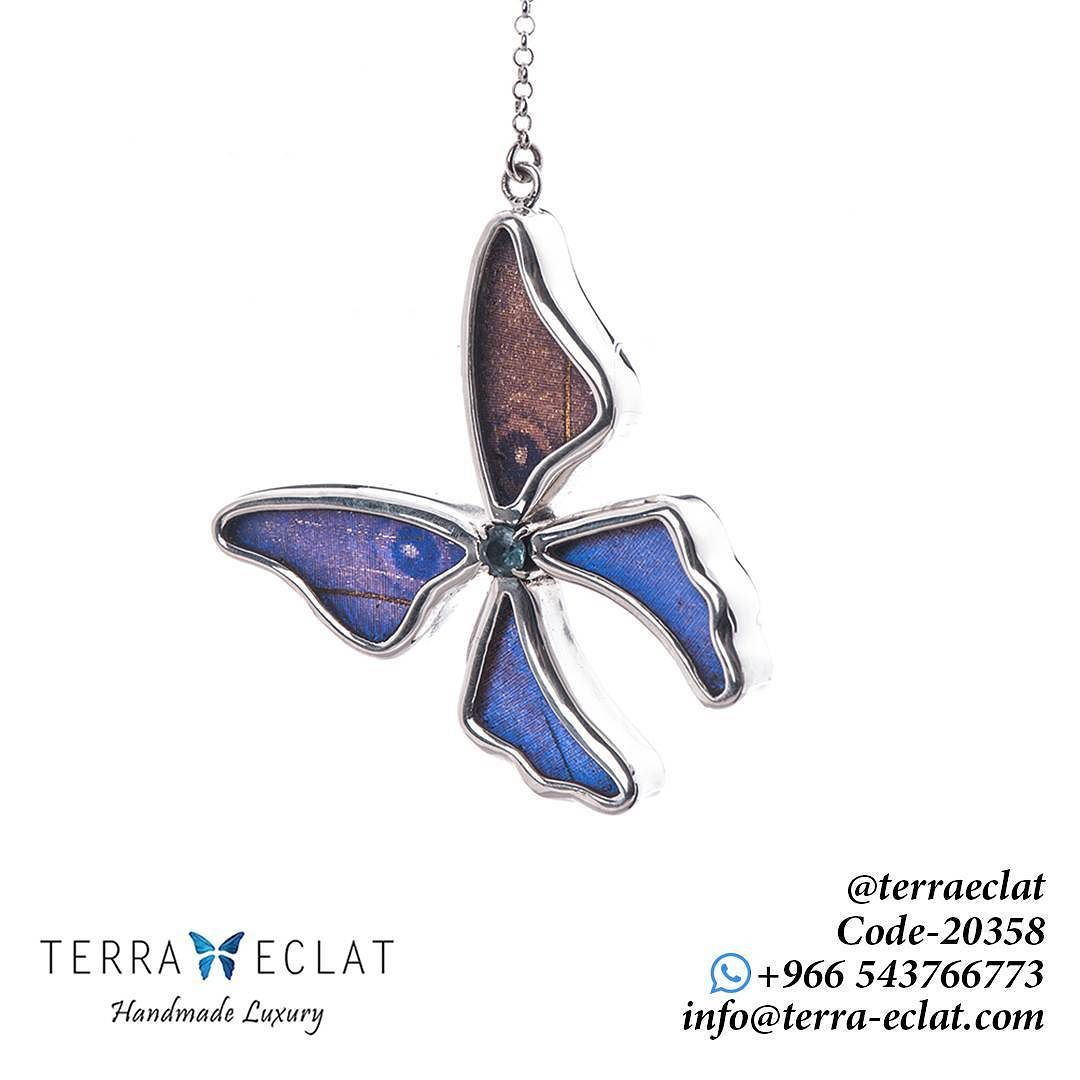 20358 Real Butterfly Wing Morpho Didius J8 Full Butterfly Shaped Necklaces 30mm Tilted With Round Aquamari Real Butterfly Wings Butterfly Wings Butterfly Shape