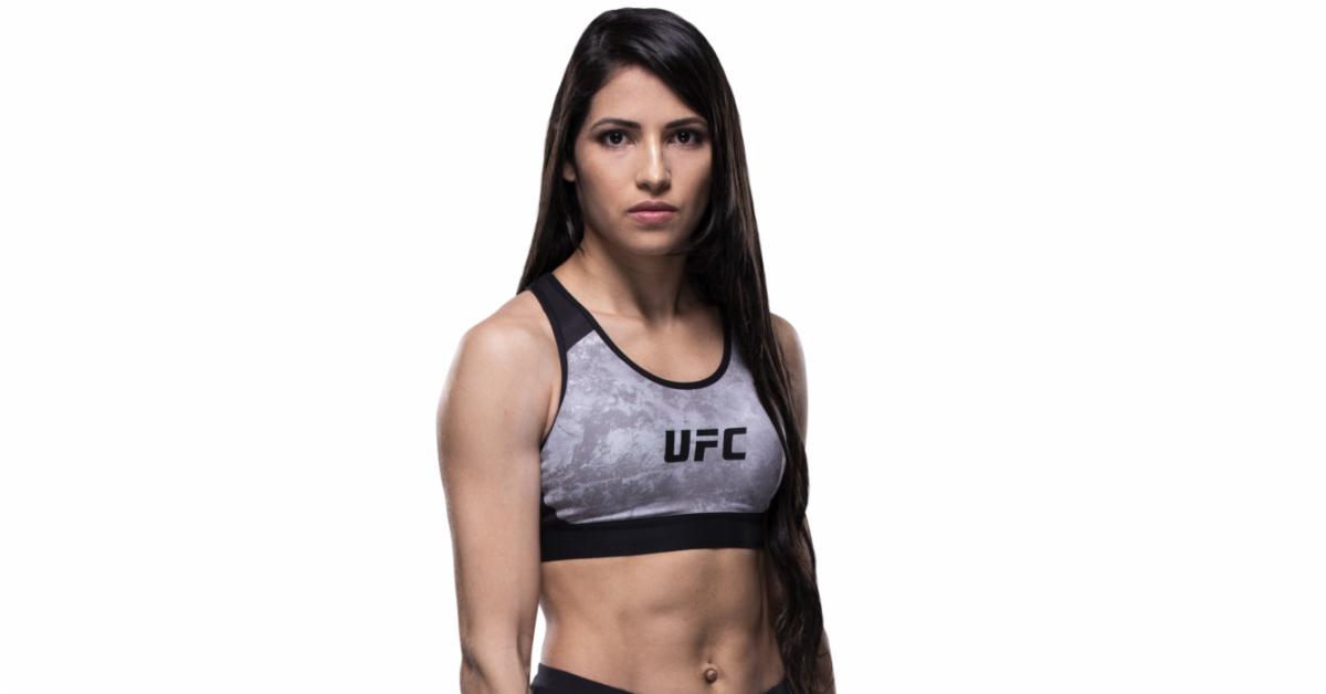 Ufc Fighter Polyana Viana Beats Up Mugger Who Tried To Rob Her Sports Bra Sports Bra Victoria Secret High Impact Sports Bra