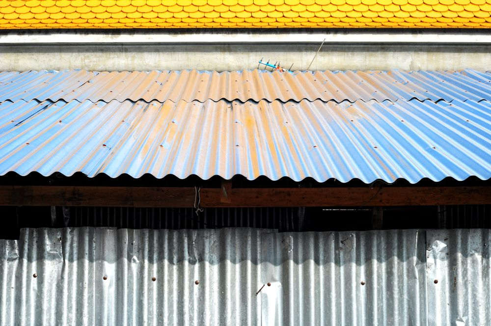 Rubber Shingles Rubber Roofing Costs 2020 Modernize Roof Cost Rubber Roofing Roofing