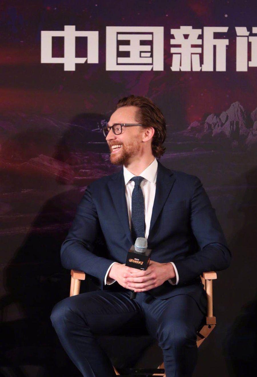 9c3bab8c6a3d48 Tom Hiddleston.  InfinityWar promo in Shanghai. April 19, 2018. Credit on  the image. Via Torrilla.