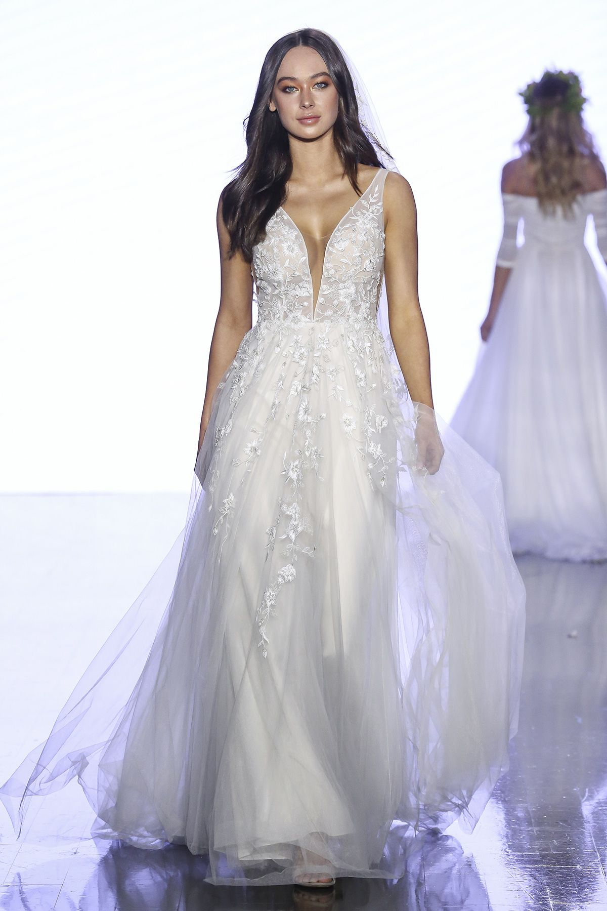 Wtoo By Watters Come Away With Me Fall Collection Queensland Brides Popular Wedding Dresses Plus Wedding Dresses Bridal Style