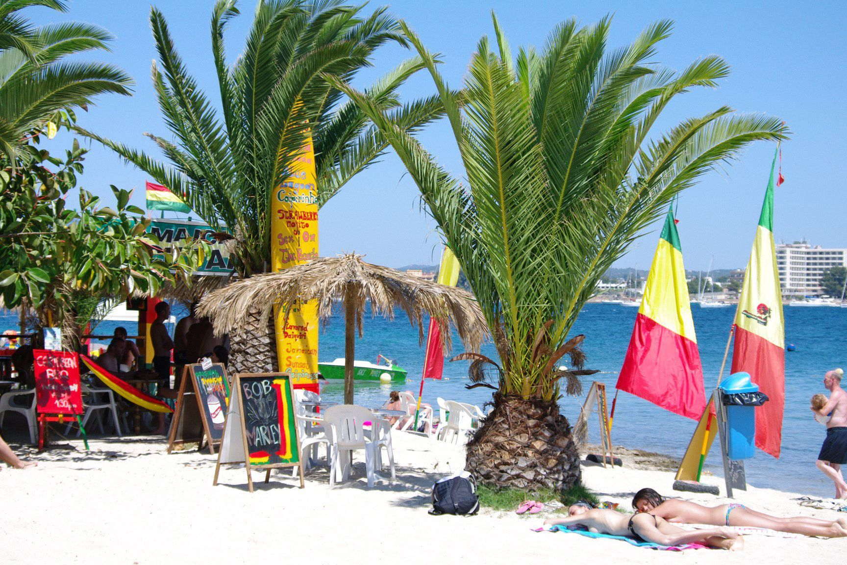 Reggae Beach Bar Jamaica Cayman Islands Jamaica Beaches Best Beaches Of Jamaica Greater Antilles Beaches Greater Antilles Jamaica Beaches Travel
