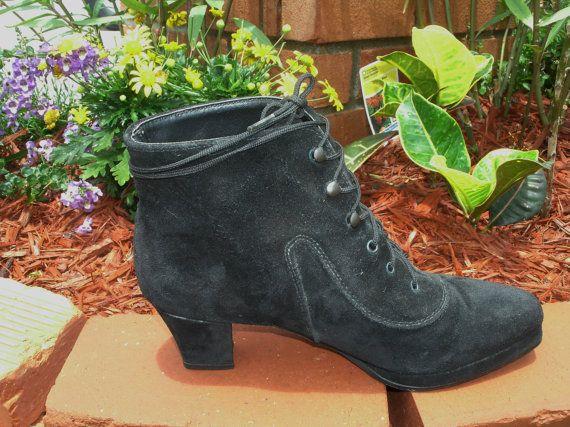 Vintage Black Leather c.70's Lace up Steampunk by kellyshippyhut, $48.00