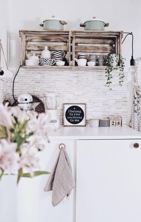 DIY Regale aus Weinkisten selber machen - DIY Möbel aus Holz - kleine regale für küche