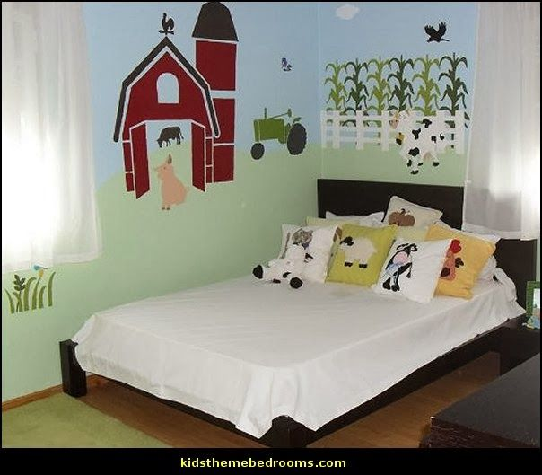 Tractor themed room decor