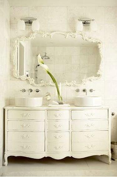 7 ideas originales muebles para lavabos dobles hechos con aparadores antiguos aparador antiguo - Muebles bano originales ...