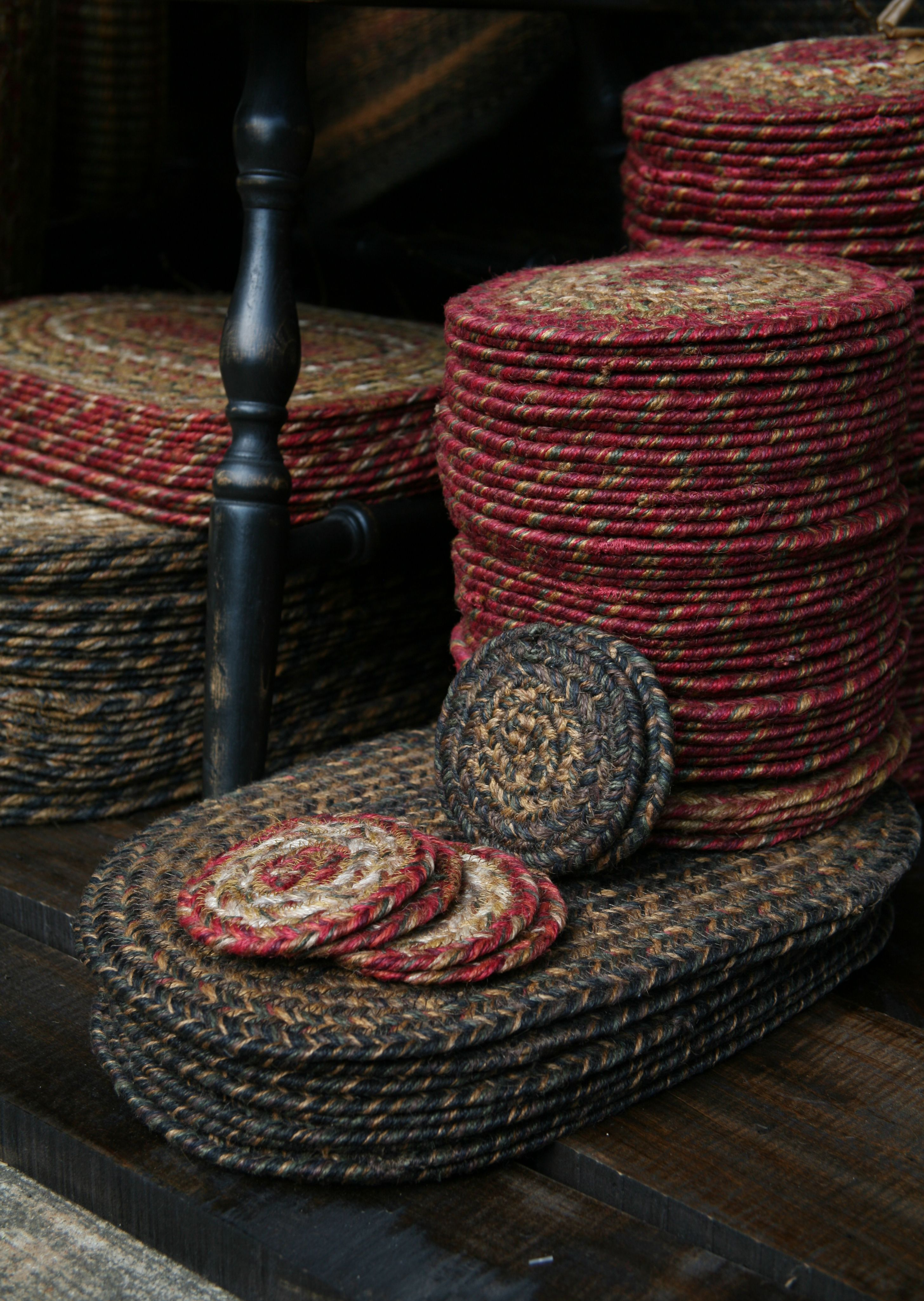 Braided Jute Coasters Trivets Place Mats And Table Runners Are A Great Economical Way To Change Up Yo Primitive Tables Primitive Decorating Braided Jute Rug