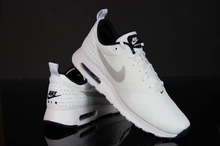 NIKE AIR MAX TAVAS 705149 103 białe r. 40 46 24H | Nike air