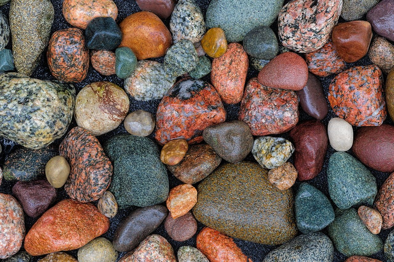 Extremely Easy Instructions On How To Make A Rock Tumbler At Home Science Struck In 2020 Rock Tumbler Diy River Rock Crafts Rock Tumbler