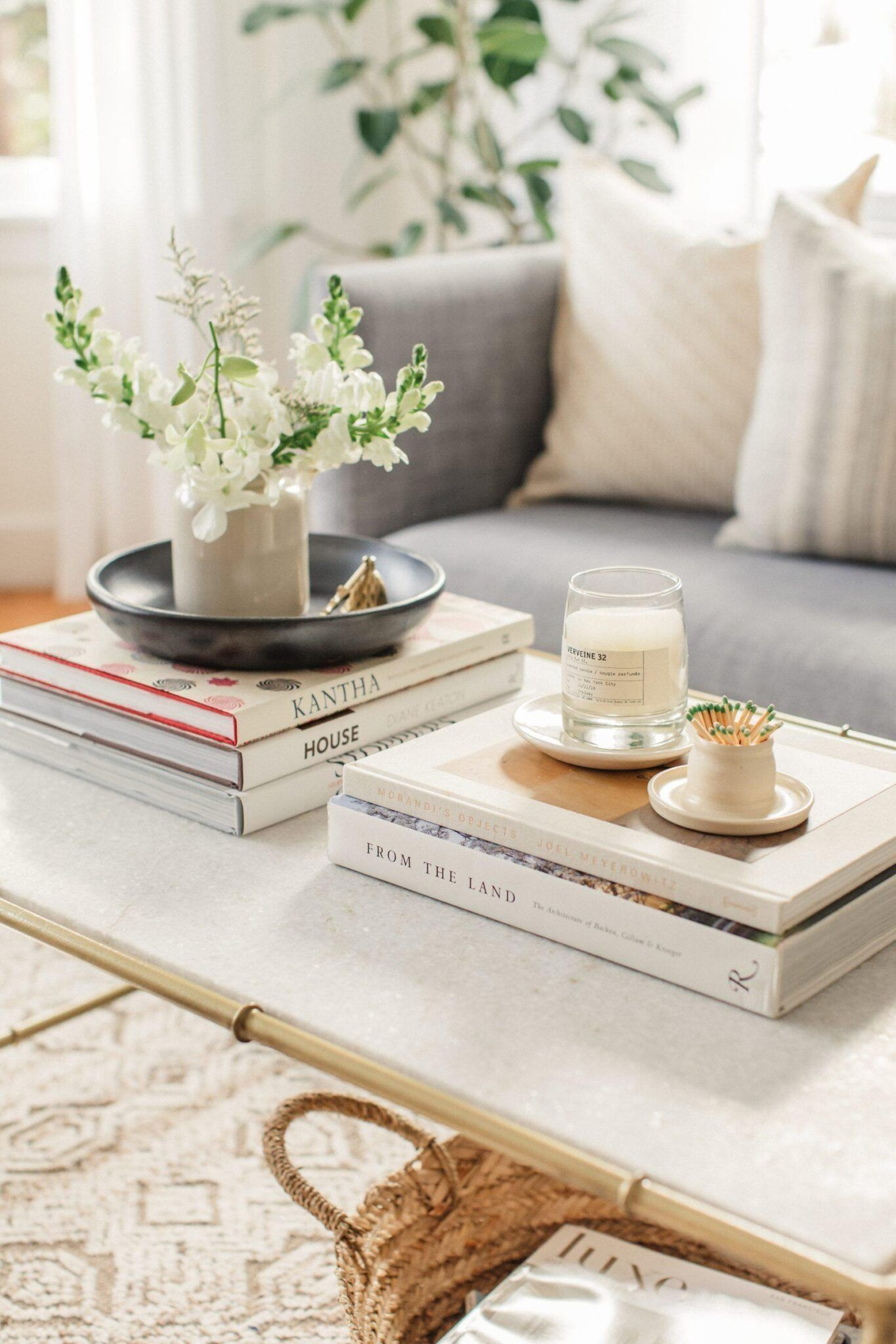 Coffee Table Books For A Stylish Home Coffe Table Decor Coffee Table Styling Simple Coffee Table