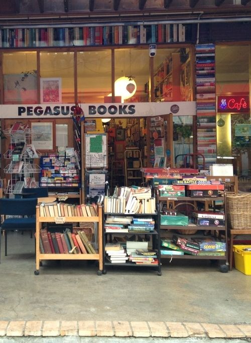Pegasus Books Wellington New Zealand One Of My Favourite Second Hand Bookstores Located In Left Bank Cuba Wellington New Zealand Indie Bookstore Bookstore