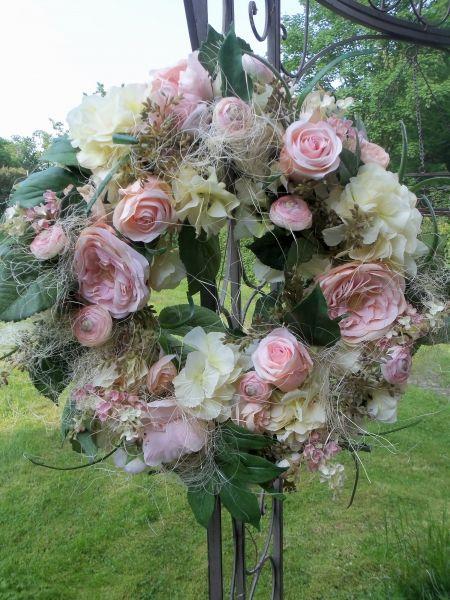 Seidenblumen 6 x Rose creme  mit Blattwerk Kunstblumen