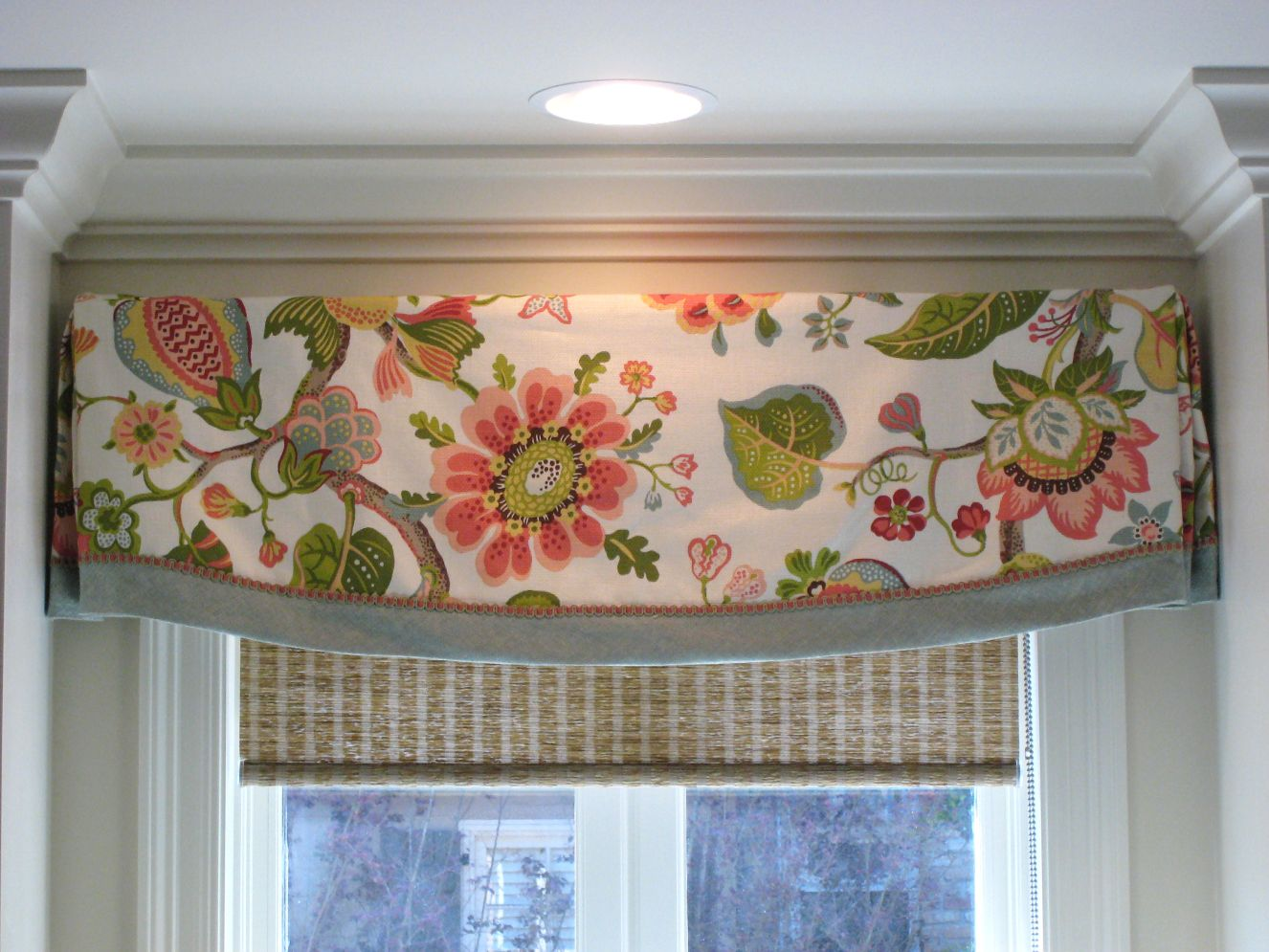 valance design idea floral fabric with contrast banding decorative gimp over seam - Valance Design Ideas