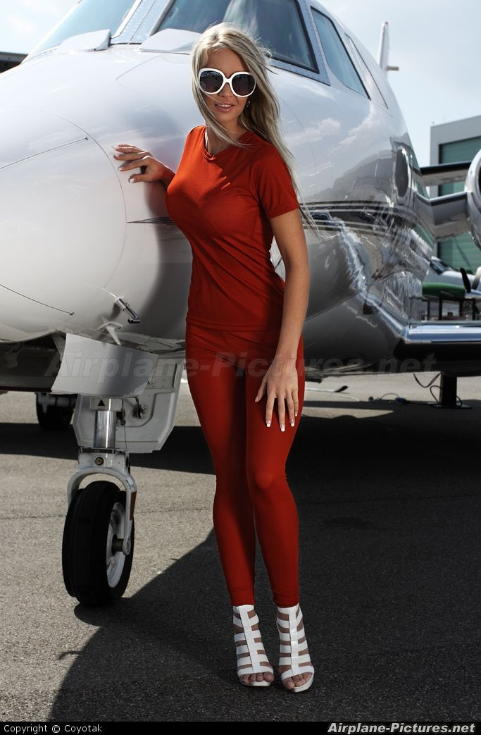 High quality photo of Coyotak Pictures - Aviation Glamour ...