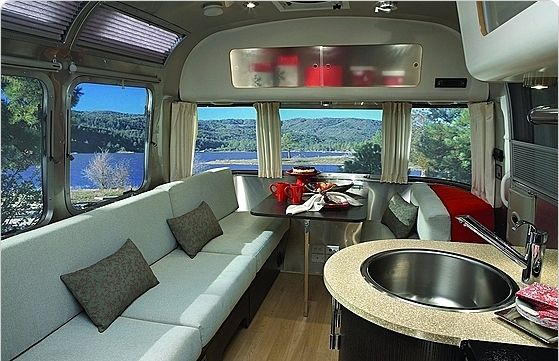 Idee Per Interni Roulotte : All i need is a plot of land and this airstream international what