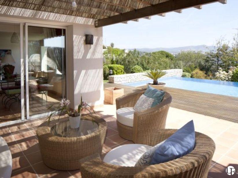 preciosa casa de estilo ibicenco con vistas al mar en can girona piscina infinita