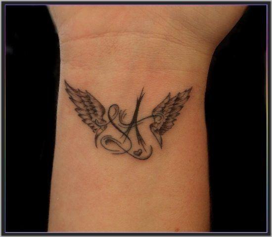 Tatuaggi Angeli Significato E 15 Foto Tatuaggi Idee Per