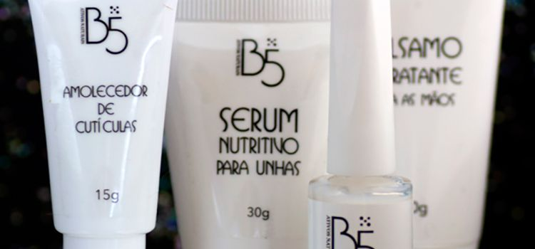 Você conhece os produtos da B5? Eles são naturais e só trazem benefícios para nós e nossas unhas. Vem saber mais!  http://fascinioporesmaltes.com/b5-cosmeticos-cuidados-com-as-unhas/