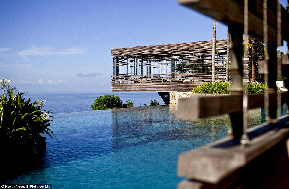 The Worlds 10 Best Infinity Pools