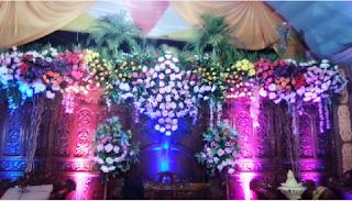 dekorasi pernikahan doraemon sederhana