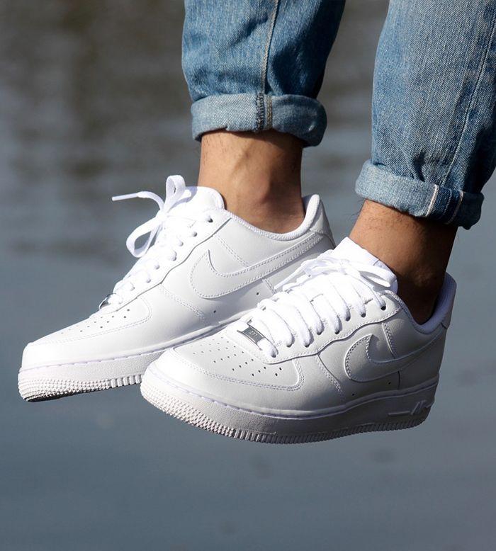 pretty nice 14989 49b81 Nike Air Force 1 White. Macho Moda - Blog de Moda Masculina  Os SNEAKERS em  alta pra 2018  10 Tênis que são Tendência. Sneakers 2018