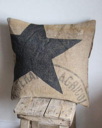 coussin jute toile les couleurs de brocantine estels pinterest pillows jute and star. Black Bedroom Furniture Sets. Home Design Ideas